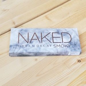 URBAN DECAY Naked Smoky, NWT